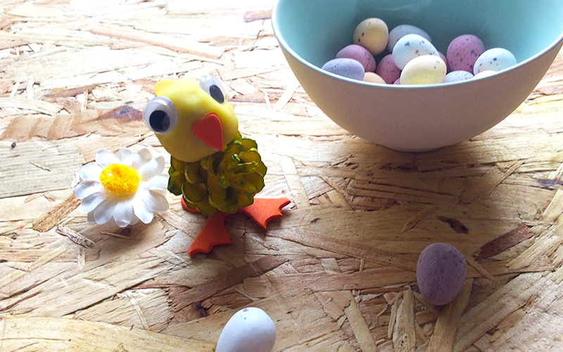 pine cone Easter chick with eggs